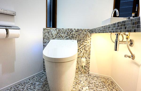 ゆとりのある空間と、お手入れがしやすい床がお気に入りです。