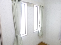 ■生駒市M様邸 寝室カーテン取付けました